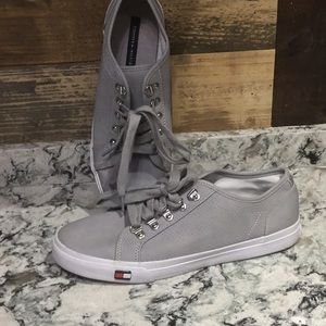 Tommy Hilfiger grey soft leather sneakers